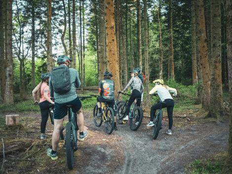 Vores MTB guides planlægger en rute, der passer til jeres ønsker og niveau   Foto: Daniel Villadsen