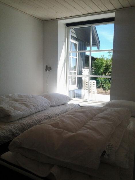 Ferielejlighed Øst, soveværelse i stueplan | Feriecenter Slettestrand