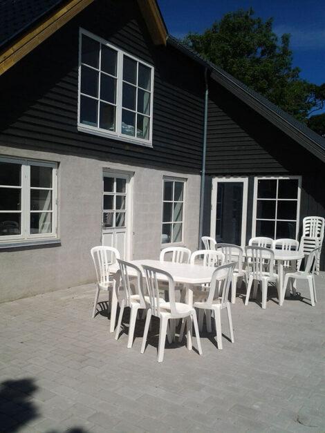Ferielejlighed Øst, terrassen | Feriecenter Slettestrand