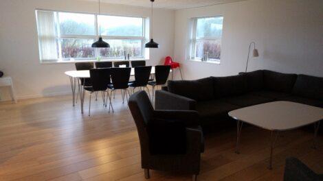 Stort feriehus til 14 personer i Slettestrand i Nordjylland