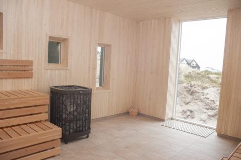 Sauna med udsigt til stranden, havbådende og med mulighed for saunagus.