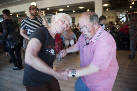 En dans med Inger Marie til danseaften i Slettestrand